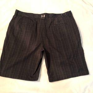 Under Armour Men's Golf Shorts Size 40 Black Gray